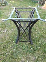 2 stabile Tischgestelle aus Metall