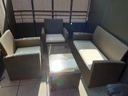 Balkon sitzgruppe mit tisch