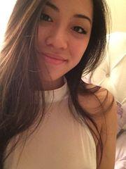 Heiße 22 Jährige Philippinin bietet
