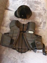 Reitsicherheitsweste mit Helm