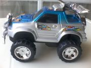 Spielzeugauto - Geländewagen - Jeep - markenlos - ca