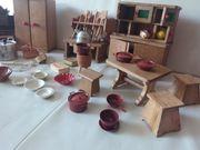 Puppenküchen- und kaufmannsladenmöbel und Zubehör