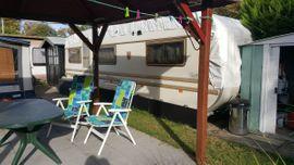 Campingartikel - Dauercampingplatz mit zwei Wohnwagen bei