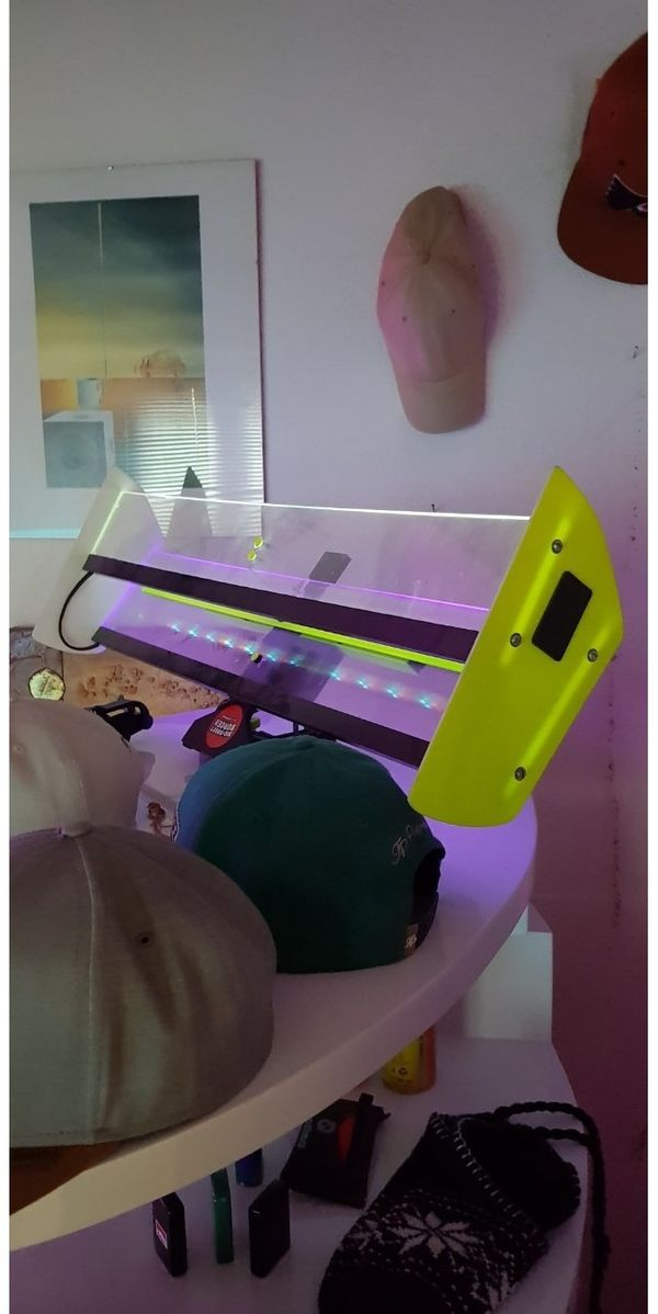 LED Spoiler aus Plexiglas