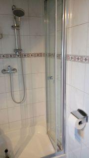 Duschkabine mit Duschwanne