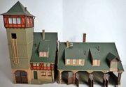 H0 Große Feuerwehrstation mit Schlauchtrockenturm