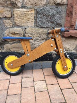 Massives Holz-Laufrad der Marke Pedo-Bike: Kleinanzeigen aus Bensheim - Rubrik Kinder-Fahrräder