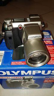 Olympus Camedia C-2100 Ultra-Zoom Digitalkamera