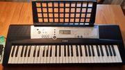 Yamaha Keyboard YTR 200