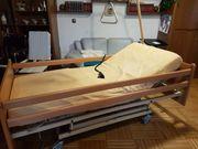 Pflegebett elektrisch mit härteverstellbarer Matratze