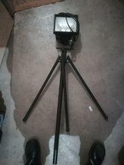 Arbeitsscheinwerfer mit Dreibein