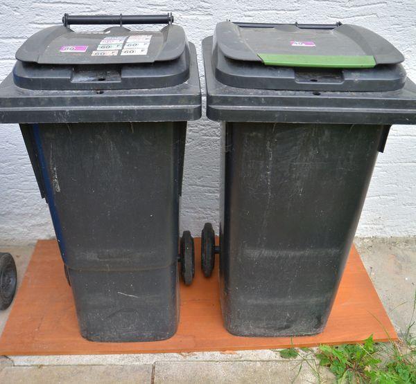 Tausche zwei 40L 60L Mülltonnen