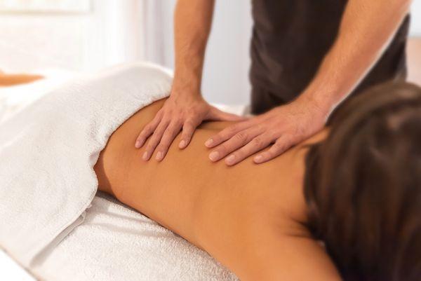 Sinnliche Wellnessmassage voller Hingabe - Sanfte