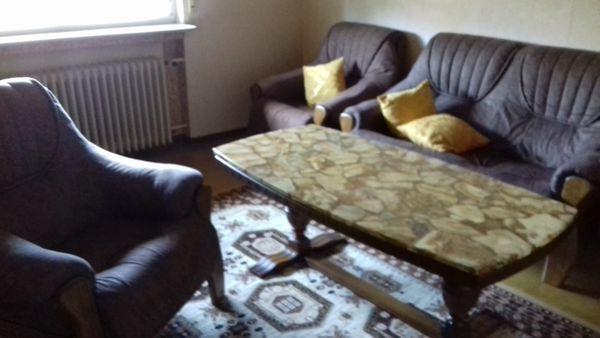 Wohnzimmer Garnitur und tisch