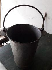 Kälbleeimer u Metalleimer zum Bepflanzen