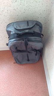 Eastpak Reisetasche zwei Rollen und