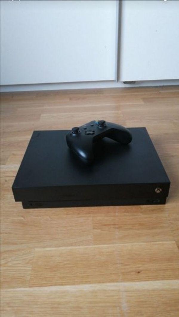 Xbox one x 1tb Forza