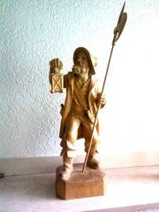 Handgeschnitzte Holzfigur aus Tirol