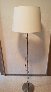 Standleuchte IKE A mit Stofflampenschirm