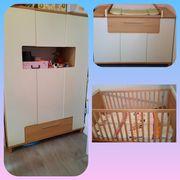 Babyzimmer mit Matratze und Wickelauflage