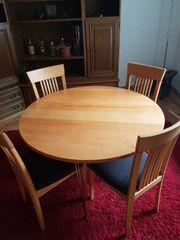 Holztisch mit 4 Stühlen