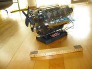 V8 Motor Maßstab 1 4