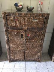 verschiedene Badezimmermöbel Wasserhyazinthe sehr dekorativ
