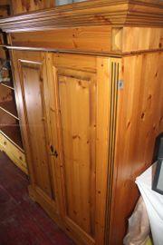 Wohn- Esszimmermöbel komplett gebraucht zu