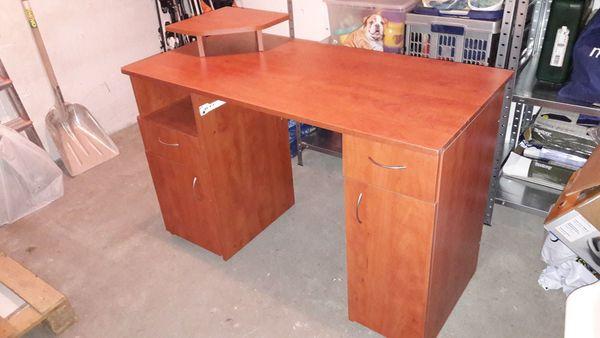 Schreibtisch für Computer