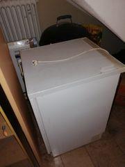 Alter Kühlschrank - Reserviert -