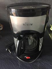 Kaffeemaschine Filterkaffee schwarz mit Kanne