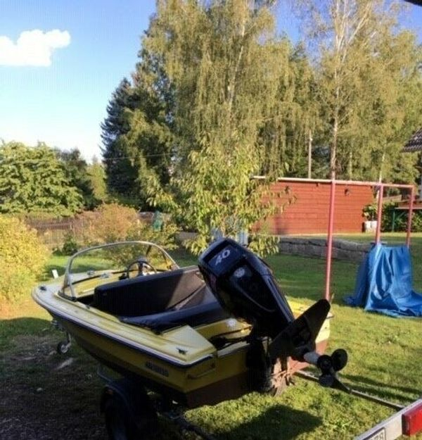 Motorboot Hille Cameo 400 gelb