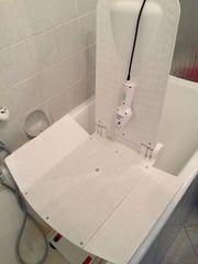 Lifter für die Badewanne im