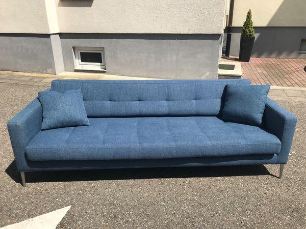 Design Sofa - so gut wie