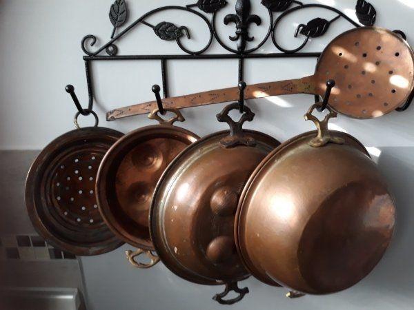 Alte antike Küchenutensilien Messing Kupfer