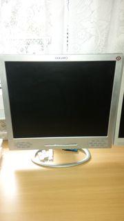 PC Monitor Yakumo TFT 17SL