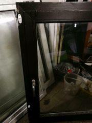 Braunes Fenster 120 cm breit