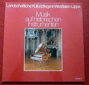 2 LP Musik auf historischen