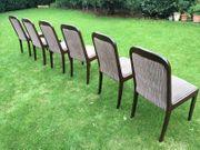 Sechseckiger Tisch mit 6 Stühlen
