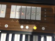 Orgel Roland C-190