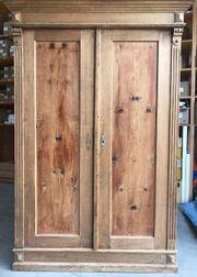 Bauernmöbel Holzkasten 177x120x58cm günstig abzugeben