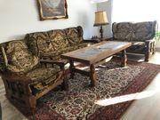 Couchgarnitur mit Couchtisch und Beistelltisch