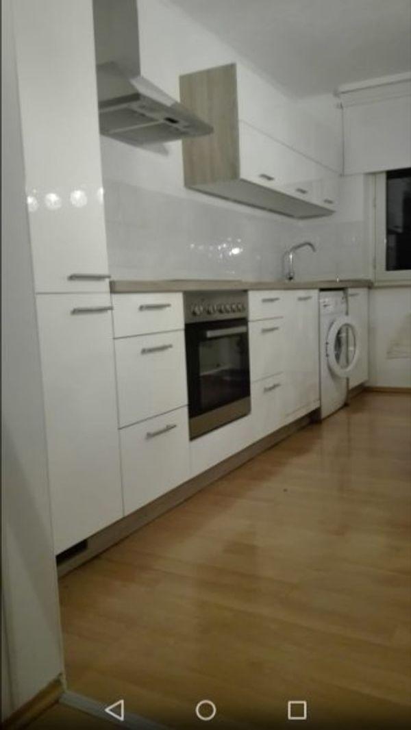Schicke weiße hochglanz-Küche, 1Jahr, wie neu!!! in Stolberg ...
