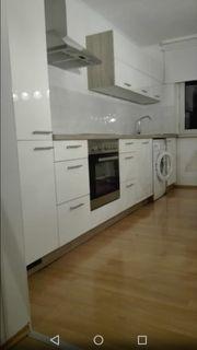 Schicke weiße hochglanz-Küche 1Jahr wie