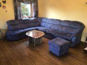 Couchlandschaft mit Marmortisch