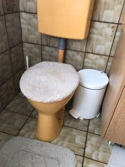 Toilettenschüssel und Waschbecken