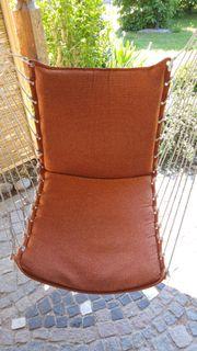 Hängestuhl in Orange selten genutzt
