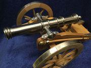 Modell einer alten Kanone