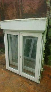 3 Kunststoff Fenster mit Rollos