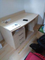 Schreibtisch zu verkaufen VB nur